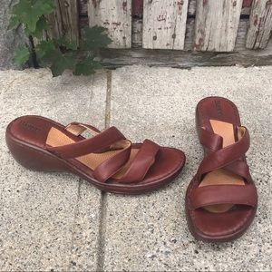 Born Cross Strap Leather Wedge Heel Slides 9 40.5